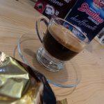 Der Espresso mit der Domino Kapsel