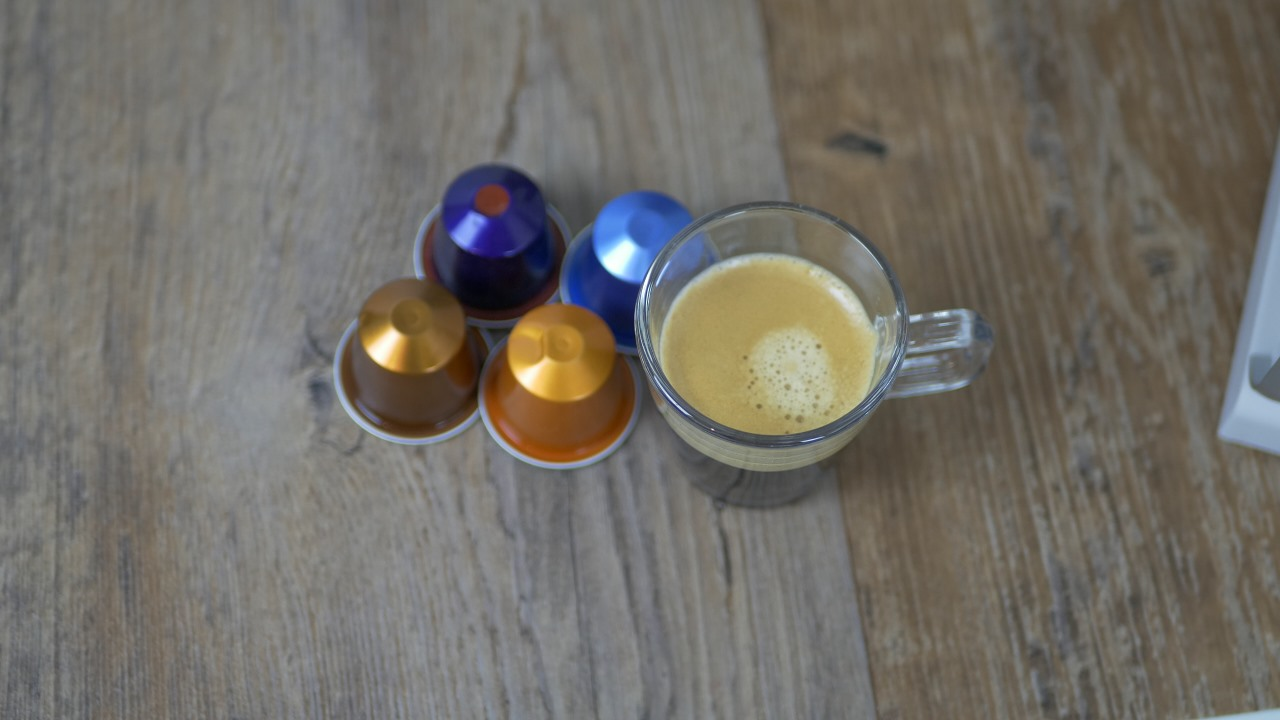 nespresso lattissima touch test testbericht review delonghi 111 kapsel. Black Bedroom Furniture Sets. Home Design Ideas